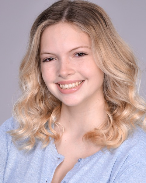 Hannah Pierce Headshot